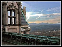 You can experience this view at the Biltmore House in Asheville, NC.  I think it is called the Rooftop tour.