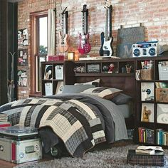 Modern and Stylish Teen Boy Room Decor for Artsy Musicians - Best Teen Boys Room Ideas: Cool Teenage Boy Bedroom Decor and Design Teen Boy Bedding, Teen Boy Rooms, Teenage Room, Teen Boys, Teenage Guys, Girl Rooms, Baby Rooms, Boys Bedroom Decor, Bedroom Themes
