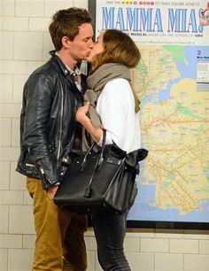 Eddie Redmayne kisses Hannah Bagshawe PDA - Eddie Redmayne: 10 reasons we love the 'Fantastic Beasts and Where to Find Them' star