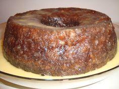 Esta receita foi-me dada por uma colega. Fiquei fã logo na primeira garfada! É um bolo delicioso e muito apreciado por todos quantos o exp...