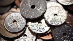 Vanlige 1-kroner og 5-kroner fra slutten av 90-tallet er ikke verdt mer enn pålydende, men dersom du... - ,NTB Scanpix