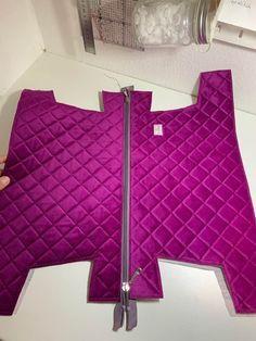 Pin on bags Handbag Tutorial, Diy Handbag, Pouch Tutorial, Bag Patterns To Sew, Sewing Patterns, Handbag Patterns, Leather Bag Pattern, Small Sewing Projects, Sewing Hacks