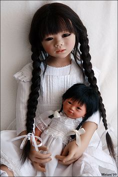 Mithi (by Annette Himstedt 2005) and Marieta (by Carmen Gonzalez) | photo by Miriam via Flickr