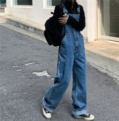 Image uploaded by ......... Find images and videos about style, kfashion and korean fashion on We Heart It - the app to get lost in what you love. Indie Outfits, Retro Outfits, Cute Casual Outfits, Vintage Outfits, Fashion Outfits, 90s Fashion, Boyish Outfits, Swaggy Outfits, Grunge Outfits