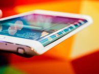 Samsung Galaxy Note Edge review: Breaking the mold and the bank in the quest for curve What's it really like using the Samsung Galaxy Note Edge's funky curved screen? Read CNET's full, rated review to find out.