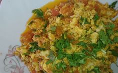 Anda Bhurji Pakistani Food Recipe is very tasty and delicious recipes. It is prepared within 10 minutes and your breakfast egg recipe is ready to eat. Anda Bhurji Recipe, Egg Recipes For Breakfast, Tasty, Yummy Food, Vegetarian Chili, Egg Dish, Recipe For Mom, Chefs, Food Print