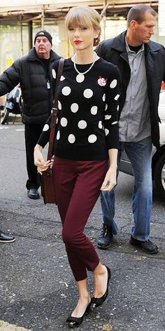 2. Her Favorite Prints - The Secrets to Taylor Swift's Street Style Success - What's Right Now - Fashion - InStyle