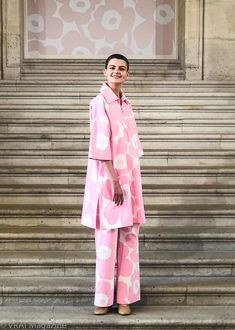 Discover the artistry of the Marimekko Spring/Summer 2019 collection as shown on the runways of Paris Fashion Week this September 2018 Fashion Week Paris, Pink Fashion, Love Fashion, Fashion Design, Marimekko Dress, Rosa Style, Mode Editorials, Basic Outfits, Lino Prints