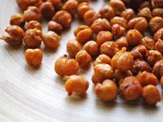 Receta de Garbanzos Tostados con Aceite de Oliva | Garbanzos tostados en el horno son perfectos para quienes prefieren las botanas saludables.