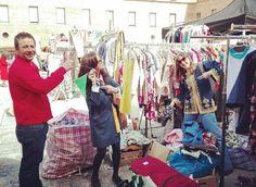 Lo que nos hemos divertido en el L&F! Aquí sólo empezábamosGracias a nuestros compis @onioncheese @oriolonetop  y a las visitas que nos han hecho de reír y han gastado sus cuartos..todavía con agujetas #lostandfound #vintage #madrid #malasaña #condeduque #ropavintage #retro #segundamano . Pic by: @oriolonetop by midtempovintage