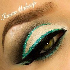 Aqua cut crease eyeshadow look