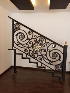 New Iron Stairs Modern Interiors 68 Ideas Iron Staircase Railing, Interior Stair Railing, Balcony Railing Design, Wrought Iron Stairs, Staircase Design, Stairs In Living Room, House Stairs, Indoor Railing, Balustrades
