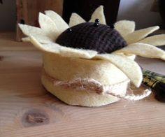 PREFERABLY PRIM: Sunflower PinKeep Easy to Make! Tutorial