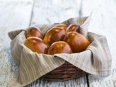 Бон Апети Сладки хлебчета с извара и стафиди