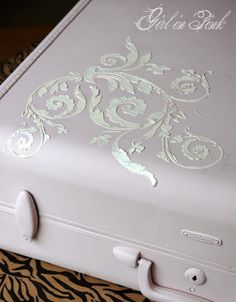 How to do a raised stencil relief with Artisan Enhancements VP Antico product.