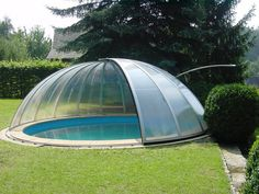 High pool enclosure ORIENT - aluminium frames and transparent panels Retractable Pool Cover, Decks Around Pools, Outdoor Gear, Indoor Outdoor, Shipping Container Swimming Pool, Swimming Pool Enclosures, Pool Maintenance, Pool Houses, Glamping