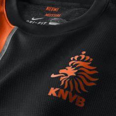 Like the orange / black combination. Minimalistic is good.