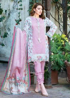 Buy Five Star Classic Lawn 2019 Collection Printed Lawn Unstitched 3 Piece Suit from Sanaulla Store - Original Products. Fancy Dress Design, Stylish Dress Designs, Stylish Dresses, Women's Fashion Dresses, Formal Dresses, Pakistani Fashion Casual, Pakistani Dresses Casual, Pakistani Dress Design, Pakistani Clothing