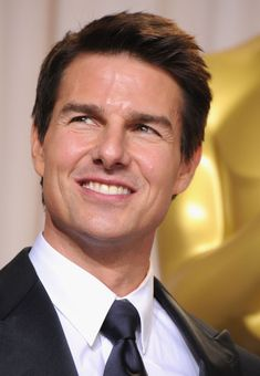Celebrities - Tom Cruise Photos collection You can visit our site to see other photos. Tom Cruise, Hollywood Actor, Hollywood Celebrities, Hollywood Stars, Celebrity Travel, Celebrity Dads, Celebrity Style, Lions For Lambs, The Color Of Money