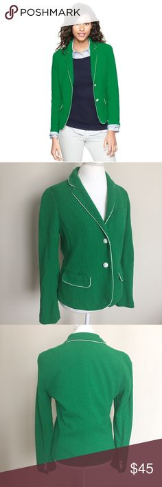 """Gap The Academy Blazer in Pique Extremely Green Gorgeous Gap """"The Academy Blazer"""" in """"Pique Extremely Green"""". Size 10 and fits like a medium. Very good preowned condition with no flaws to note. ⚓️No trades or holds. I accept reasonable offers. I only negotiate through the offer button. I do not model. I ship within two business days of your order. I only use Posh. 🚭🐩HB GAP Jackets & Coats Blazers"""