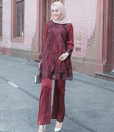 Photos and Videos Kebaya Modern Hijab, Kebaya Hijab, Kebaya Dress, Islamic Fashion, Muslim Fashion, Hijab Fashion, Fashion Outfits, Women's Fashion, Dress Brokat Muslim
