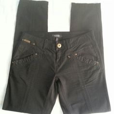 Black Skinny Pants WORN ONCE !  I bought these at Dillards...still in NEW CONDITION !  Good Stretch !!   98% Cotton  2% Spandex.  These pants are so versatile..wear with sky high platforms, rolled up with flip flops or tucked in boots.  Inseam 32 in.    Size is 30...but for reference I was between a 4/6 when I bought them ! Buffalo Pants Skinny