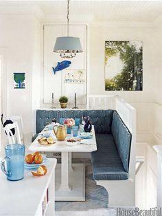 Cozy Dining Banquette | Markham Roberts. Photo: Francesco Lagnese. housebeautiful.com