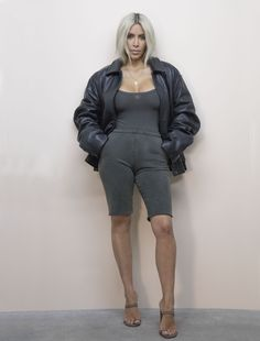 CR Exclusive: Unseen Images of Kim Kardashian by Jackie Nickerson from Yeezy Season 6 CR Exclusive: Unseen Images of Kim Kardashian by Jackie Nickerson from Yeezy Season crfashionbook Robert Kardashian, Estilo Khloe Kardashian, Kim Kardashian Images, Looks Kim Kardashian, Kardashian Style, Kardashian Jenner, Kim Kardashian Yeezy, Kylie Jenner, Kardashian Fashion
