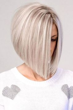 Blonde Inverted Bob, Inverted Bob Hairstyles, Thin Hair Haircuts, Straight Hairstyles, Hairstyle Short, Hairstyle Ideas, Short Graduated Bob, Graduated Bob Hairstyles, Straight Hair
