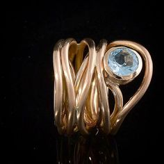 Rose Gold Spiral Ring with Blue Topaz --- #ring #rosegold #topaz #bluetopaz #spiral#spiralring #borisjakob #borisjakobjewellery #benchjeweller #jewelry #jewellery #workbench #sterlingsilver #silver #925 #gold #18kt #art #design #contemporaryjewellery #jewelrydesign #designjewelry #jewellerydesign #designjewellery #unique #uniquejewelry #instajeweller #benchjewelry #bespokejewelry #borisjakob BORIS JAKOB