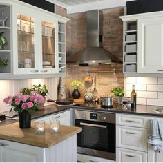 Top 46 small kitchen ideas on a budget 45 - # Küche . Top 46 small kitchen ideas on a budget 45 – …, Small Kitchen Ideas On A Budget, Small Kitchen Layouts, Kitchen Small, Warm Kitchen, Very Small Kitchen Design, Minimal Kitchen, Kitchen Corner, Kitchen Images, Kitchen Modern