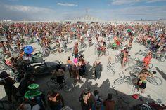Attention, il y a beaucoup de nudité dans ce post. Parce que, ben... c'est Burning Man quoi.