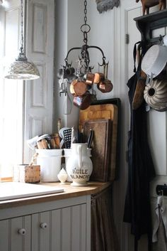 Interior decoration with soul and pat… K&Co. Interior decoration with soul and patina. Vesterbrogade 1800 Frederiksberg C. website: www. French Kitchen Decor, French Country Kitchens, Rustic Kitchen, Vintage Kitchen, Cottage Kitchens, Home Kitchens, Estilo Country, Décor Antique, Rustic French