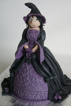 little witch By kwebbeltje on CakeCentral.com
