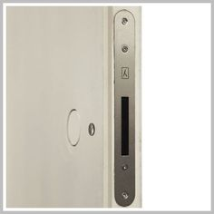 Find out all of the information about the pannellofilomuro product: door handle / metal / contemporary / flush null. Contact a supplier or the parent company directly to get a quote or to find out a price or your closest point of sale. Black Interior Design, Interior Design Kitchen, Interior Door, Drawer Handles, Door Handles, Drawer Pulls, Dorm Room List, Black Glass Tv Stand, Replacing Front Door