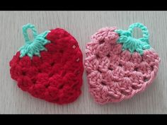 かぎ針編みのエコたわし いちごの編み方 / How To Crochet * Tawashi * The design of a strawberry Form Crochet, Knit Crochet, Crochet Patterns, Bella Coco, Crochet Strawberry, Crochet Kitchen, Crochet Videos, Miniature Dolls, Diy And Crafts