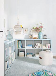 Ikea Expedit geverfd! Gebruik eerst een primer en laat deze een dag goed drogen. Daarna de gewenste kleur er over en die ook een paar dagen goed laten drogen
