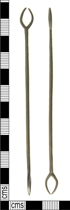 A resized image of A Post Medieval copper alloy netting needle (16th century).