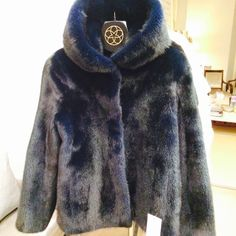 The Katie with hood just arrived in navy Blu and silver tips! Preview of AW14! #fur #mink #luxury #handmade @harrods @josephfashion  @matchesfashion @lillyevioletta www.lillyevioletta.com
