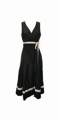 1.2.3 robe basilica - Mode 40's, 50's, style Edith Piaf - Aussi coulante qu'une chanson d'amour, la coupe et la matière de ce modèle s'interprètent en toute décontraction. Vous apprécierez son porté sans esbroufe, au quotidien....