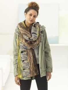 Artemis Scarf Knitting Pattern - FREE Interesting Scarf knitting Pattern It seems amazing that a scarf this distinctive and striking can still be knitted by a beginner, but it can! Knitting Books, Knitting Kits, Free Knitting, Easy Scarf Knitting Patterns, Beanie Pattern Free, Chunky Knit Scarves, Plaid Scarf, Artemis, Stitches