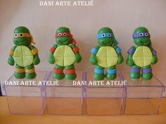 Lembrancinhas das tartarugas ninjas em biscuit na caixinha acrilica 5x5x5 <br> <br>preço por unidade