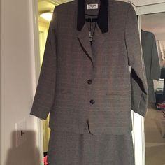 Women'S Business Suit/Skirt