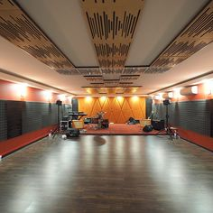 A local music school using our Vicoustic products! Phee-u-weet! Thanks for all the hard work guys! 😍 Featuring the Vicoustic Wavewood Pro panel, the Vicoustic Flexi Panel A50 and the Vicoustic Wavewood!  #Vicoustic #acoustic #music #musicschool #passion #audiophile #interior #beautiful #design #panels