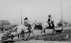 """Equestrians (Salish-Kootenai) with travois."" Период 1936 год."