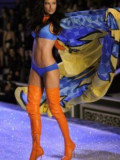 Adriana Lima is sooo perfect!
