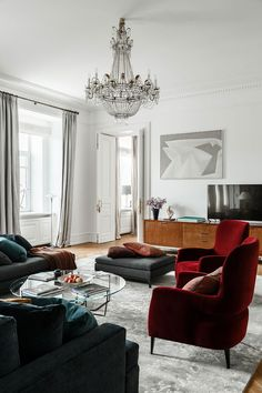 Sophisticated apartment in a 100-year-old building in Moscow | PUFIK. Beautiful Interiors. Online Magazine