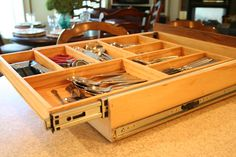 http://www.meandmydiy.com/2012/09/make-most-of-your-drawers_16.html