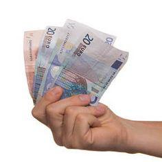 Biorąc chwilówkę rób to z głową http://bankuje.pl/kiedy-warto-siegnac-po-chwilowke/