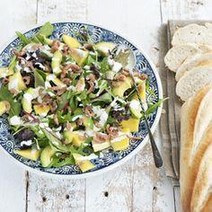 26 juli - Mango in de bonus - Recept - Avocadosalade met Hollandse garnalen en mango - Allerhande